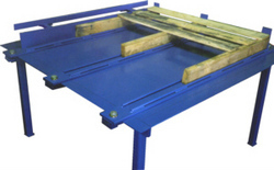 pallet assembly tables from heartland fabrication