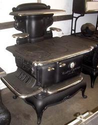 Antique Stoves (Village Crawford)