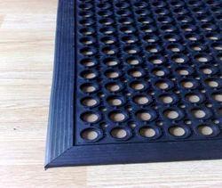 Oil Resistant Mat