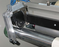 AUTOMATIC CUTTING UNITS:HANDKERCHIEFS SCARVES - FOULARDS
