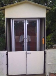Vertical Motorized Lift Outdoor